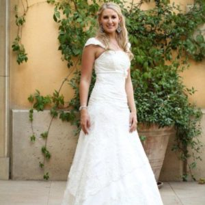Full lace wedding dress from Pronovias design